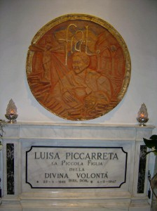 Luisa's Transit into Heaven - Image of Luisa's Tomb in S. Maria Greca